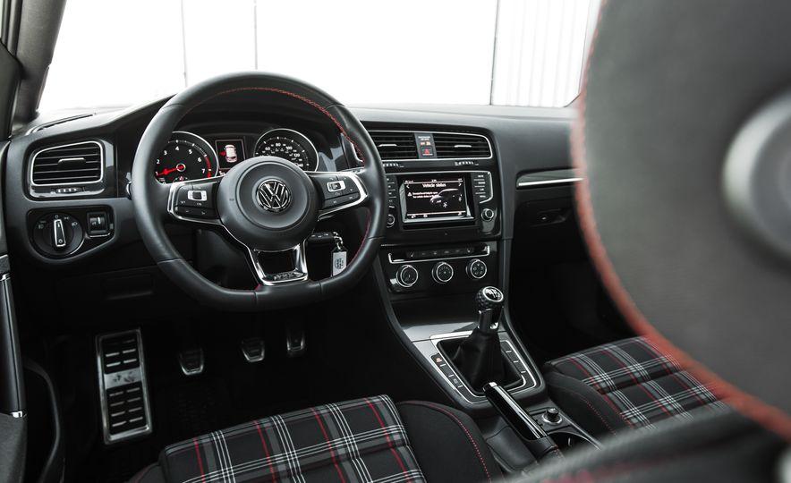 Volkswagen GTI Clubsport - Slide 54