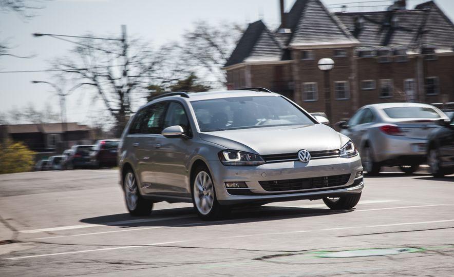 2015 Volkswagen Golf SportWagen TSI - Slide 1