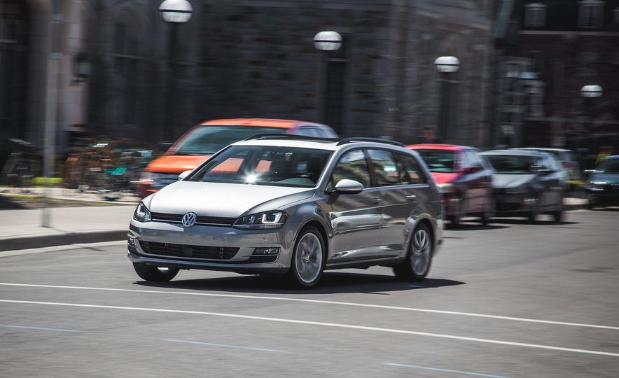 2015 Volkswagen Golf SportWagen TSI - Slide 2