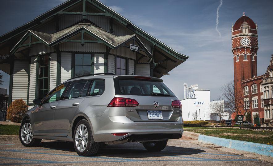 2015 Volkswagen Golf SportWagen TSI - Slide 9