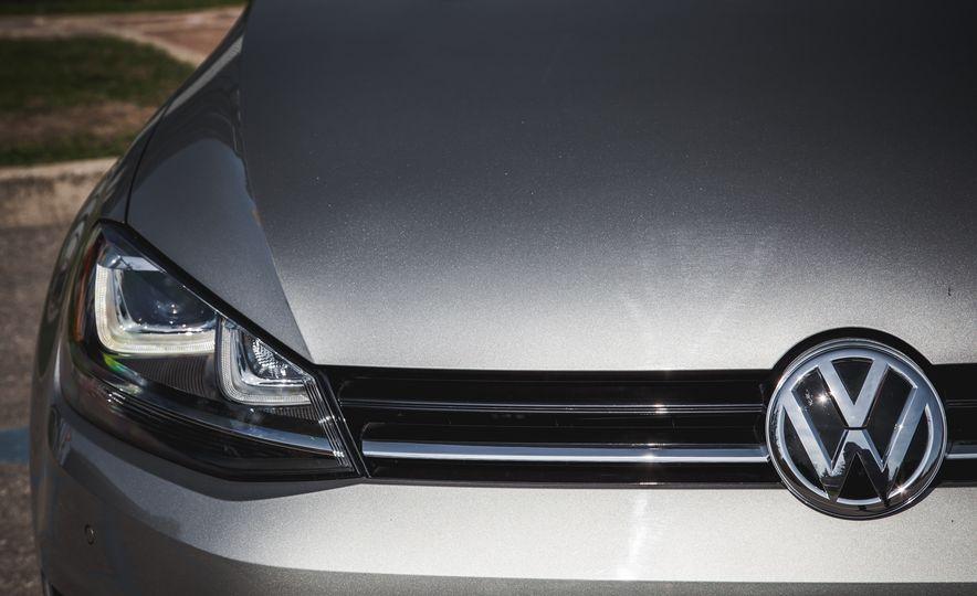 2015 Volkswagen Golf SportWagen TSI - Slide 11