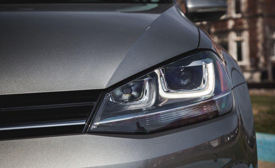 2015 Volkswagen Golf SportWagen TSI - Slide 12