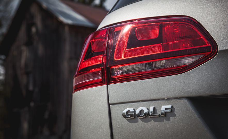 2015 Volkswagen Golf SportWagen TSI - Slide 15