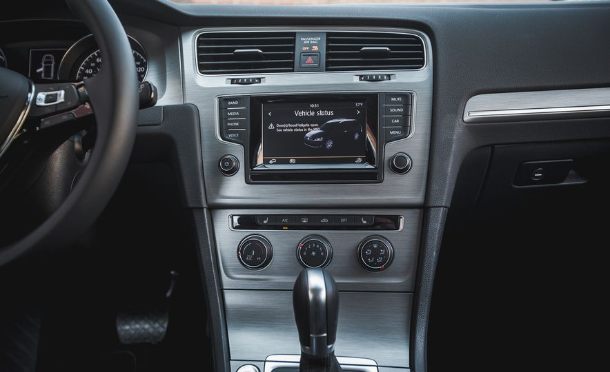 2015 Volkswagen Golf SportWagen TSI - Slide 25