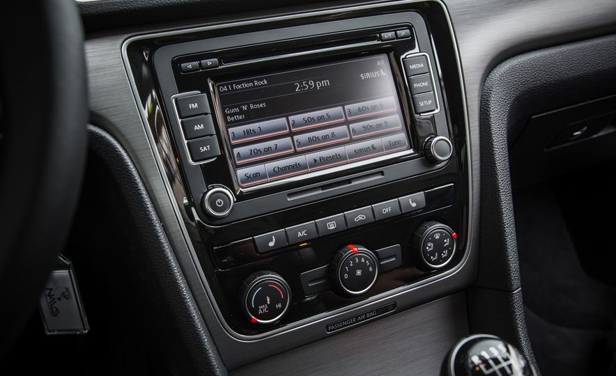 2015 Volkswagen Passat TDI - Slide 22