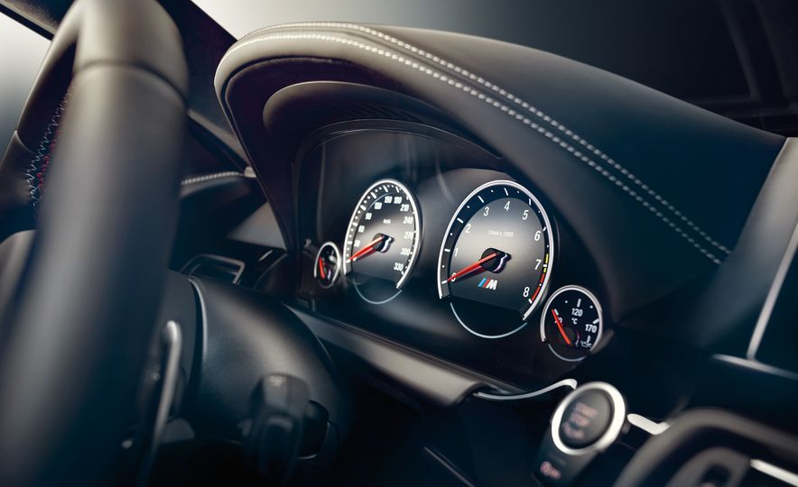 2016 BMW M6 - Slide 12