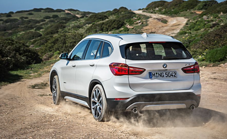 2016 BMW X1 xDrive25i (Euro-spec) - Slide 40
