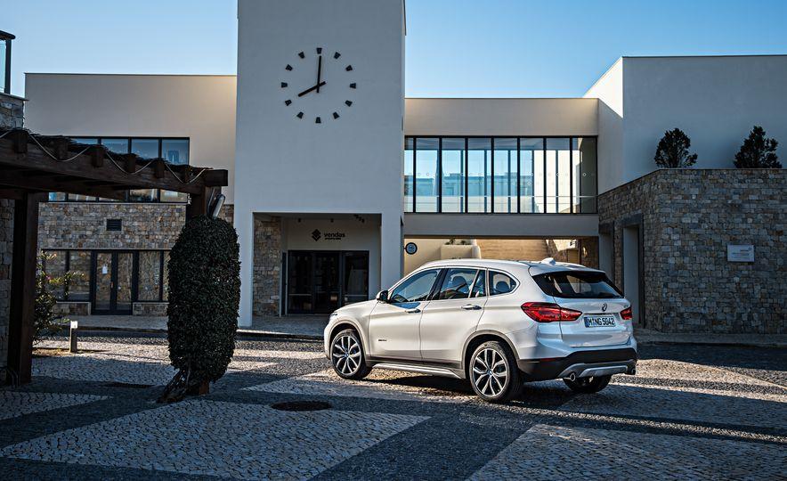 2016 BMW X1 xDrive25i (Euro-spec) - Slide 44
