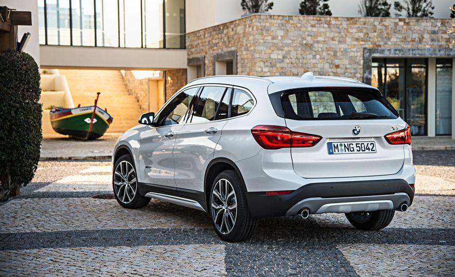 2016 BMW X1 xDrive25i (Euro-spec) - Slide 45