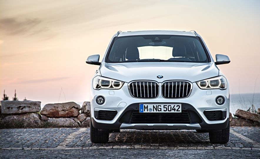 2016 BMW X1 xDrive25i (Euro-spec) - Slide 46