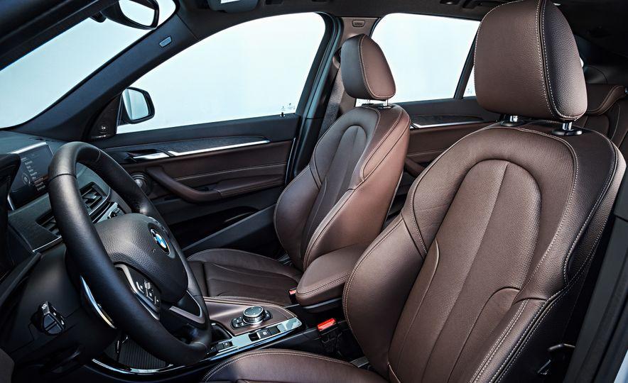2016 BMW X1 xDrive25i (Euro-spec) - Slide 63