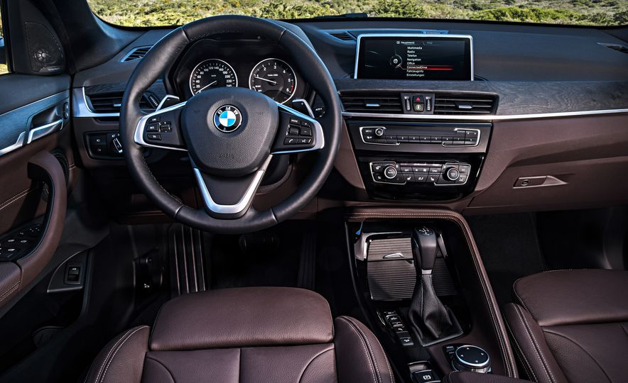 2016 BMW X1 xDrive25i (Euro-spec) - Slide 65