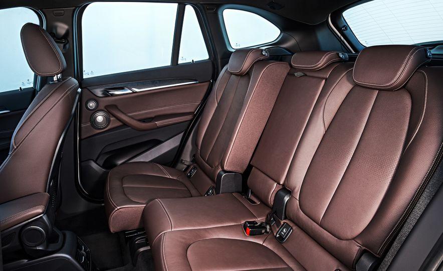 2016 BMW X1 xDrive25i (Euro-spec) - Slide 67
