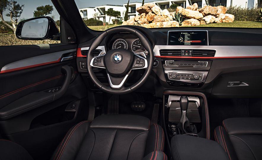 2016 BMW X1 xDrive25i (Euro-spec) - Slide 15