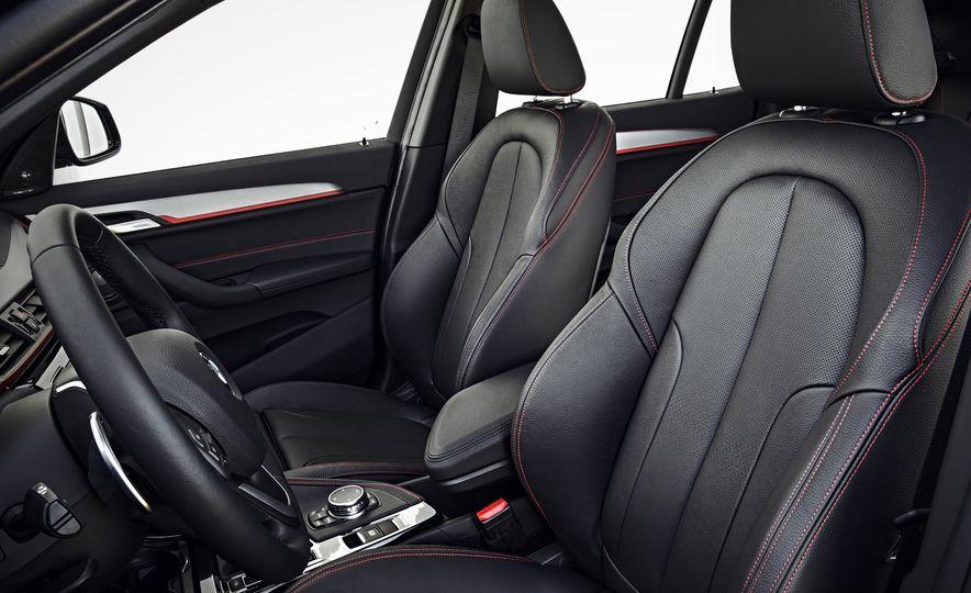 2016 BMW X1 xDrive25i (Euro-spec) - Slide 16