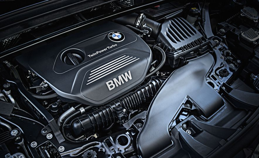 2016 BMW X1 xDrive25i (Euro-spec) - Slide 23
