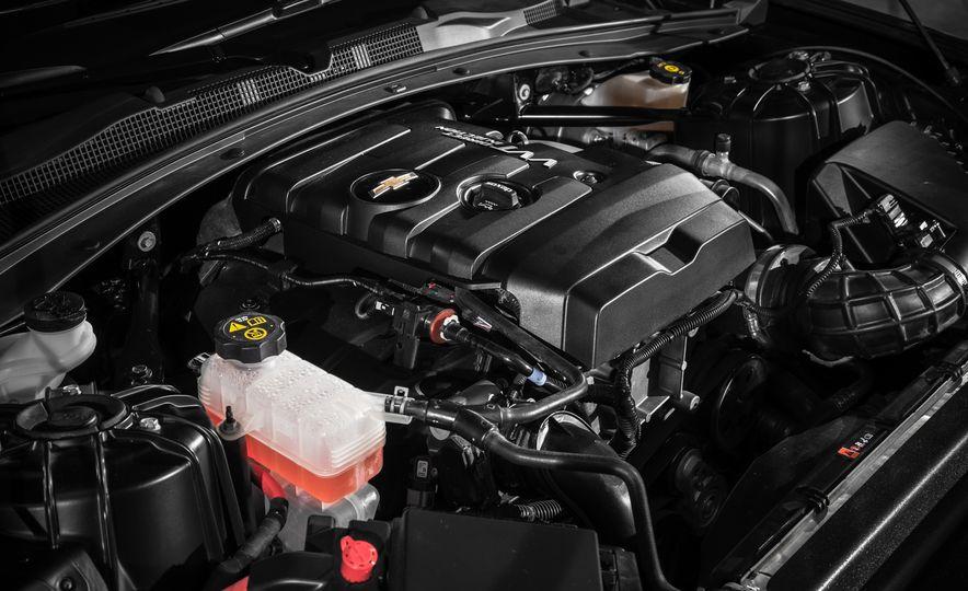 2016 Chevrolet Camaro RS - Slide 3