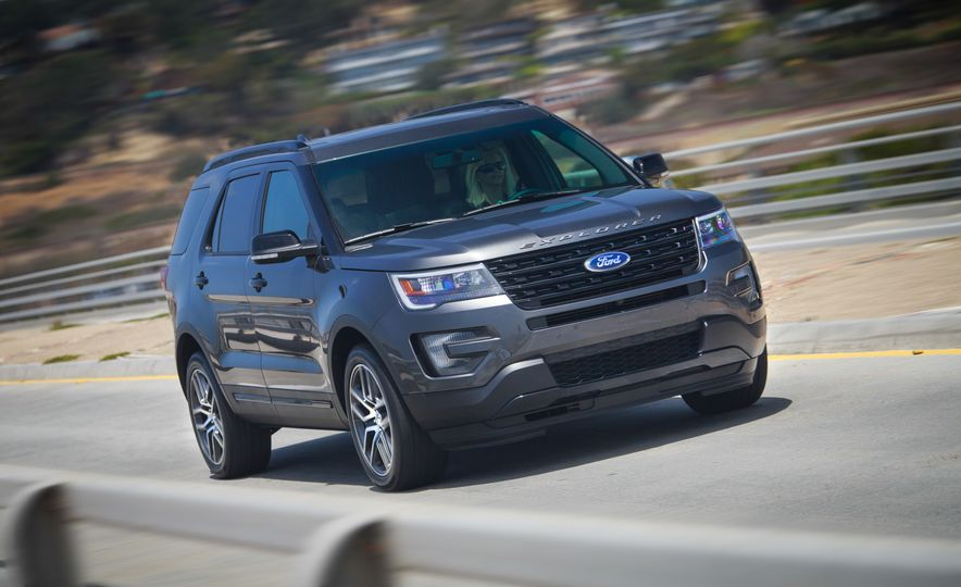2016 Ford Explorer Sport 4WD - Slide 1