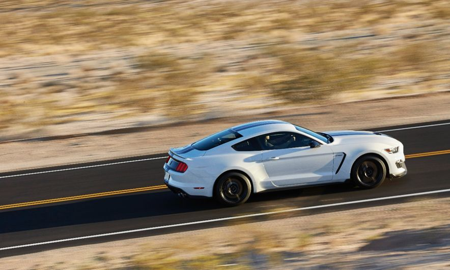 2016 Ford Mustang Shelby GT350R - Slide 30