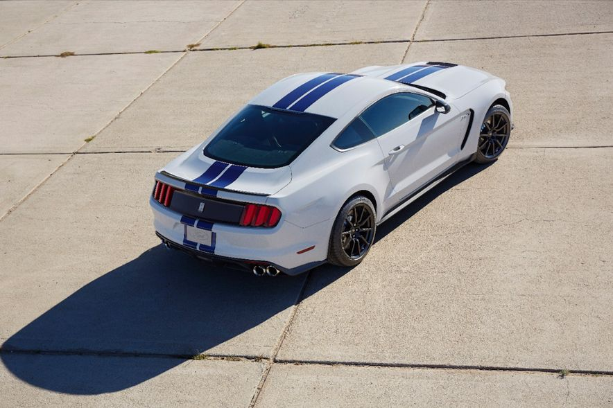 2016 Ford Mustang Shelby GT350R - Slide 37