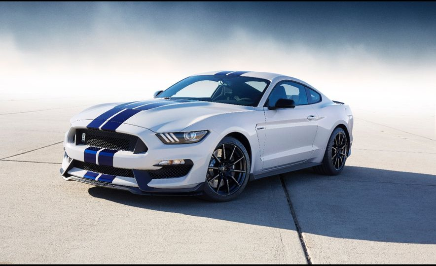 2016 Ford Mustang Shelby GT350R - Slide 40