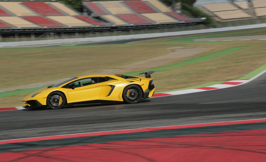 2016 Lamborghini Aventador LP750-4 SVs - Slide 59