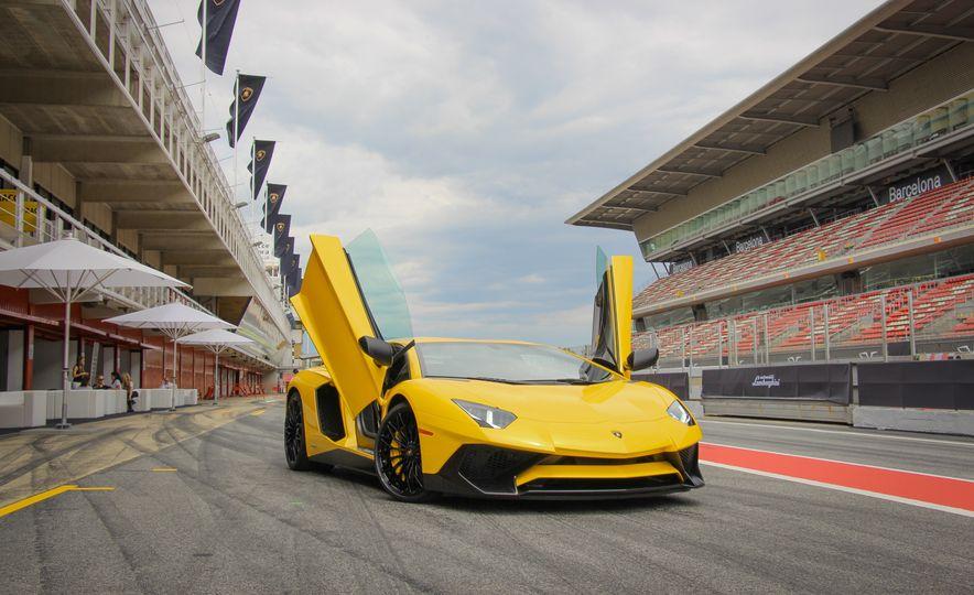 2016 Lamborghini Aventador LP750-4 SVs - Slide 18