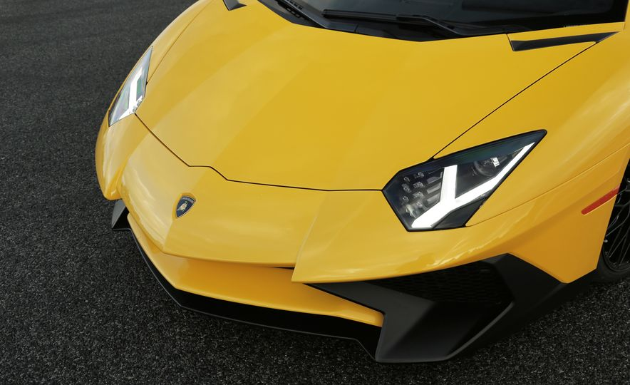 2016 Lamborghini Aventador LP750-4 SVs - Slide 70