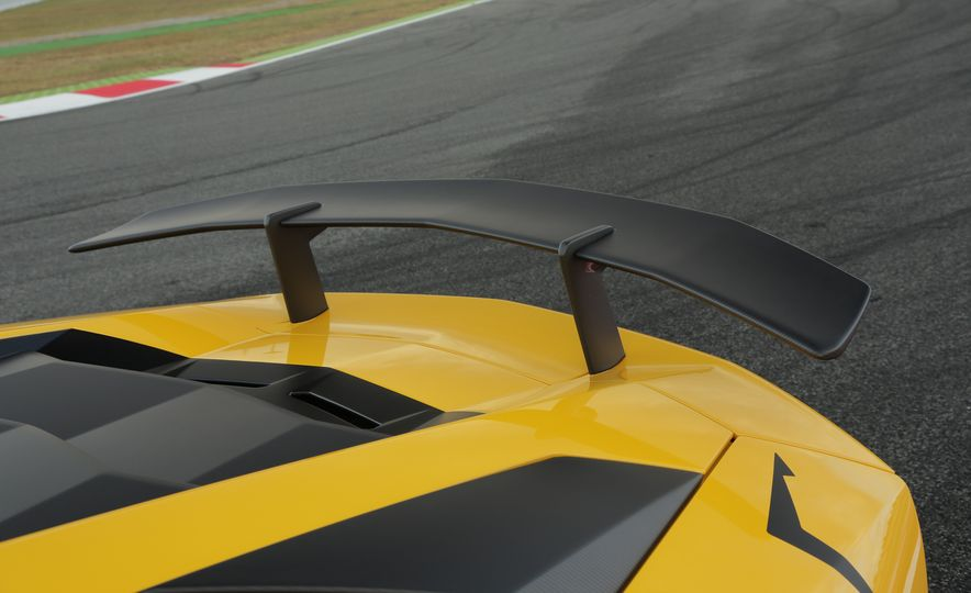 2016 Lamborghini Aventador LP750-4 SVs - Slide 72