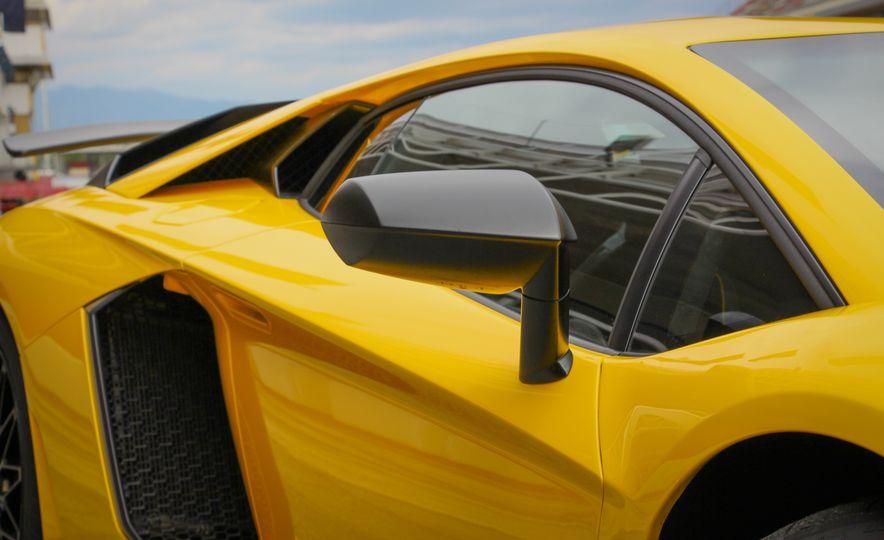 2016 Lamborghini Aventador LP750-4 SVs - Slide 25