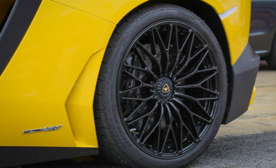 2016 Lamborghini Aventador LP750-4 SVs - Slide 26
