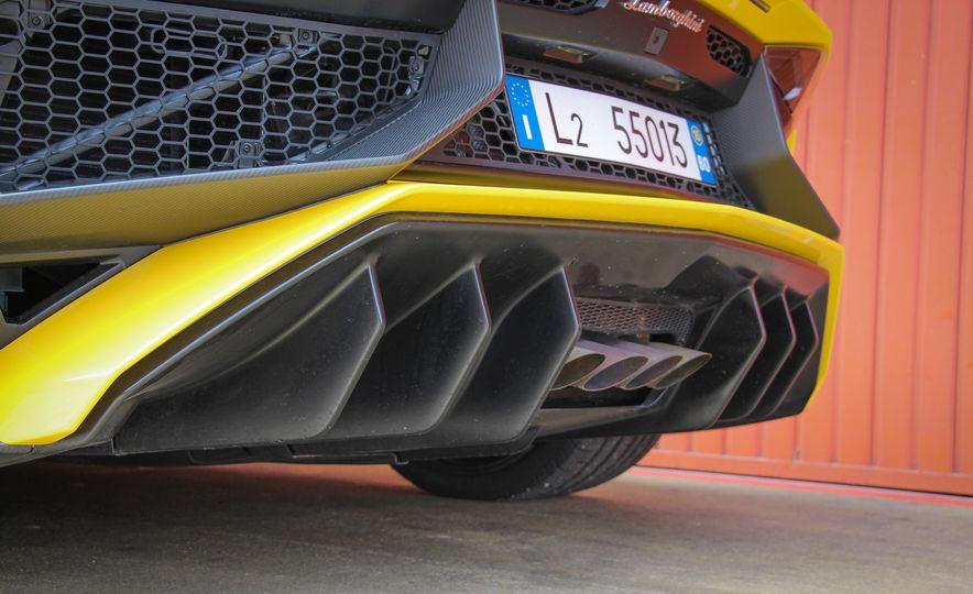 2016 Lamborghini Aventador LP750-4 SVs - Slide 29