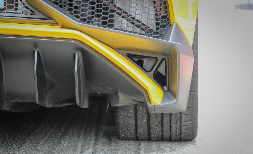 2016 Lamborghini Aventador LP750-4 SVs - Slide 30