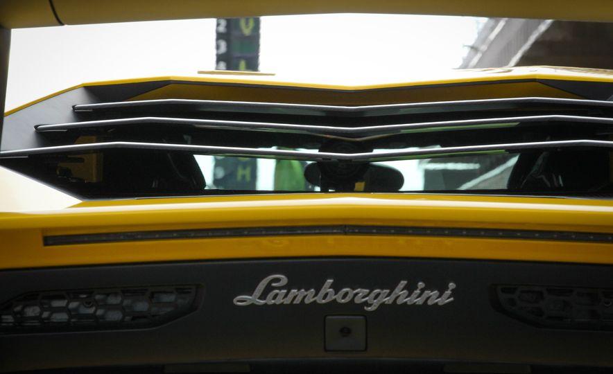 2016 Lamborghini Aventador LP750-4 SVs - Slide 31