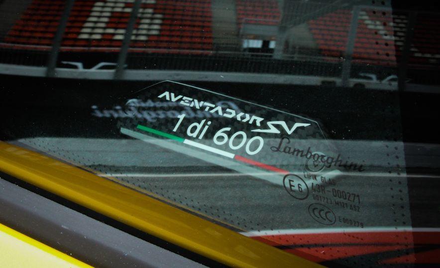 2016 Lamborghini Aventador LP750-4 SVs - Slide 33