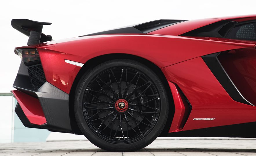 2016 Lamborghini Aventador LP750-4 SVs - Slide 101
