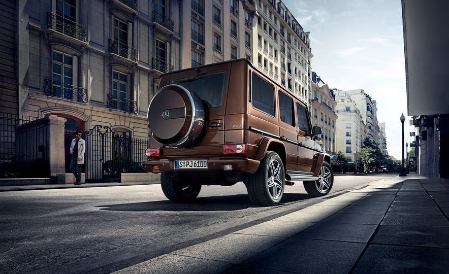 2016 Mercedes-Benz G500 - Slide 14