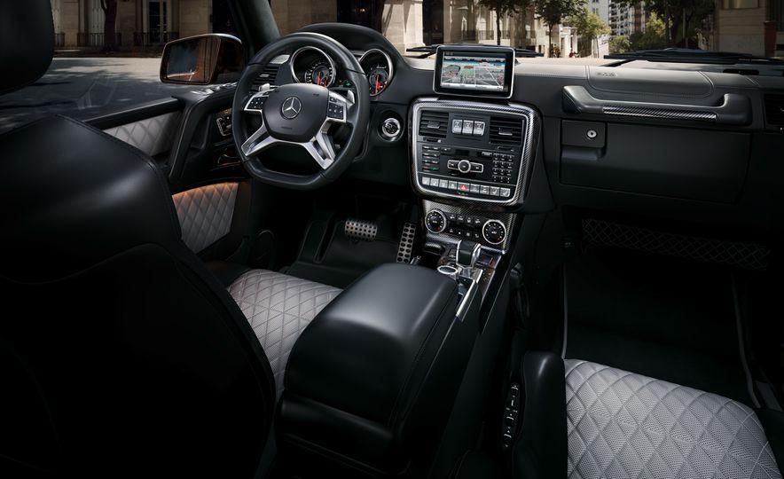 2016 Mercedes-Benz G500 - Slide 15
