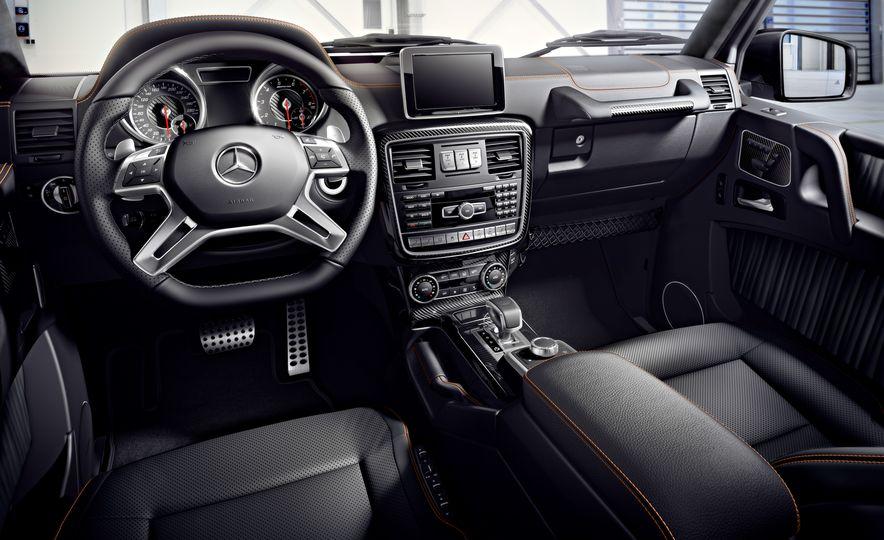 2016 Mercedes-Benz G500 - Slide 24