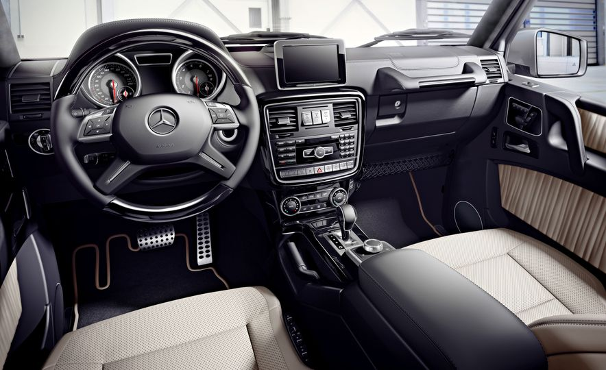2016 Mercedes-Benz G500 - Slide 10