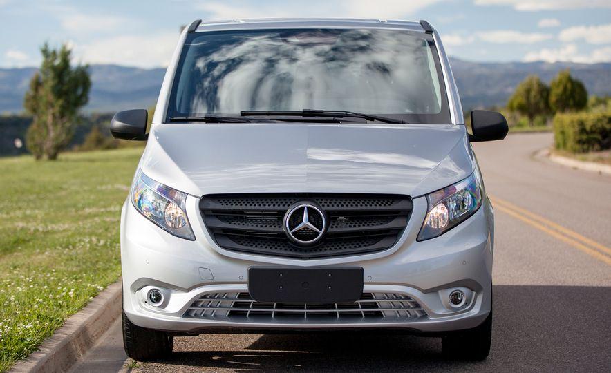 2016 Mercedes-Benz Metris van - Slide 18