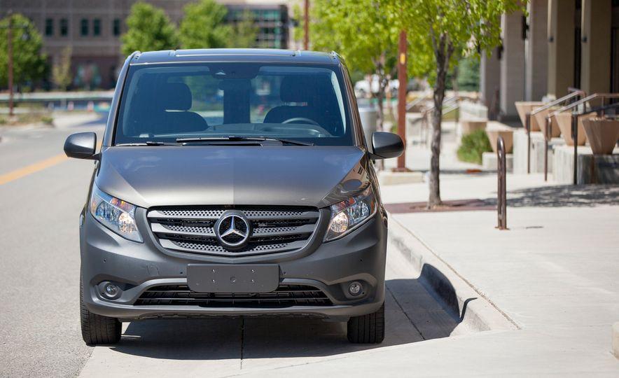 2016 Mercedes-Benz Metris van - Slide 40