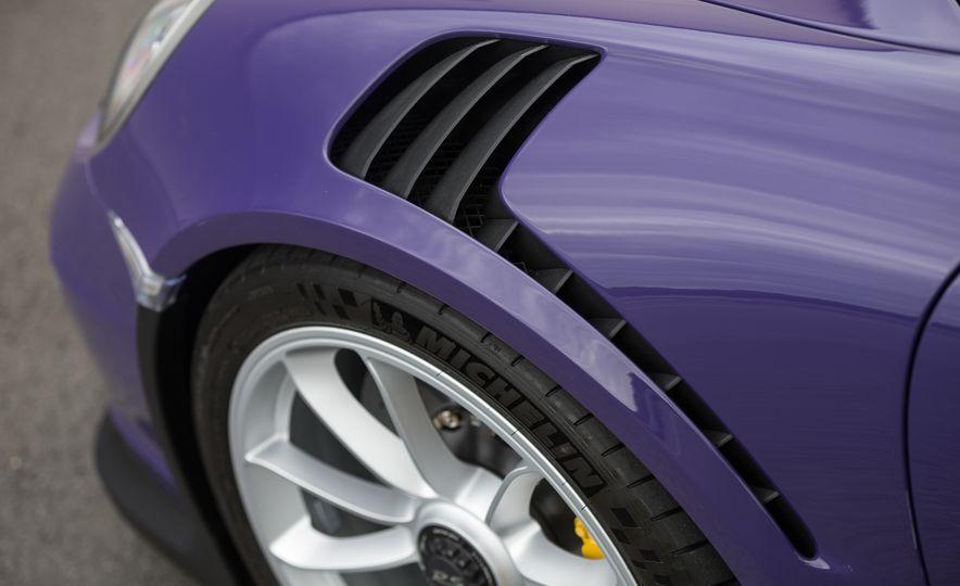 2016 Porsche 911 GT3 RS - Slide 25