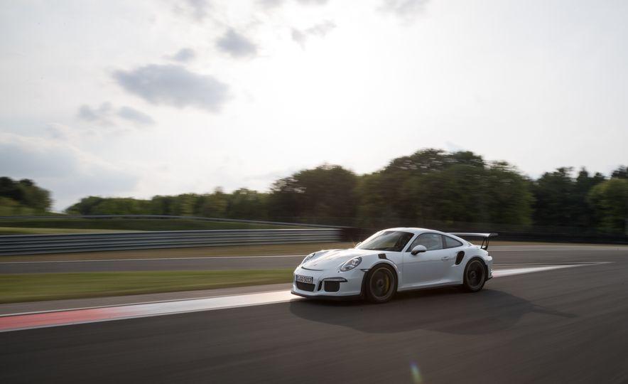 2016 Porsche 911 GT3 RS - Slide 61
