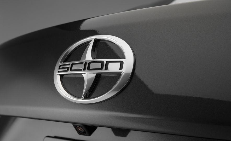 2016 Scion iA - Slide 25