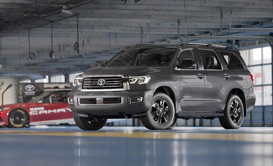 Big Hauling: Every Full-Size SUV Ranked from Worst to Best - Slide 2