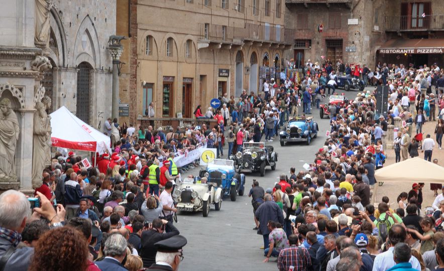 In the Middle of the Mille Miglia: We Run the World's Most Storied Road Rally - Slide 34
