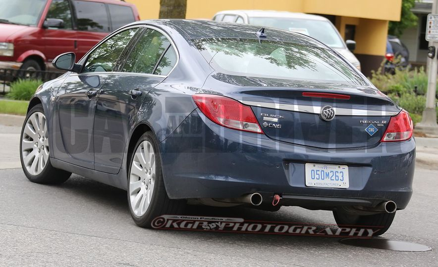Buick Regal CNG prototype (spy photo) - Slide 1