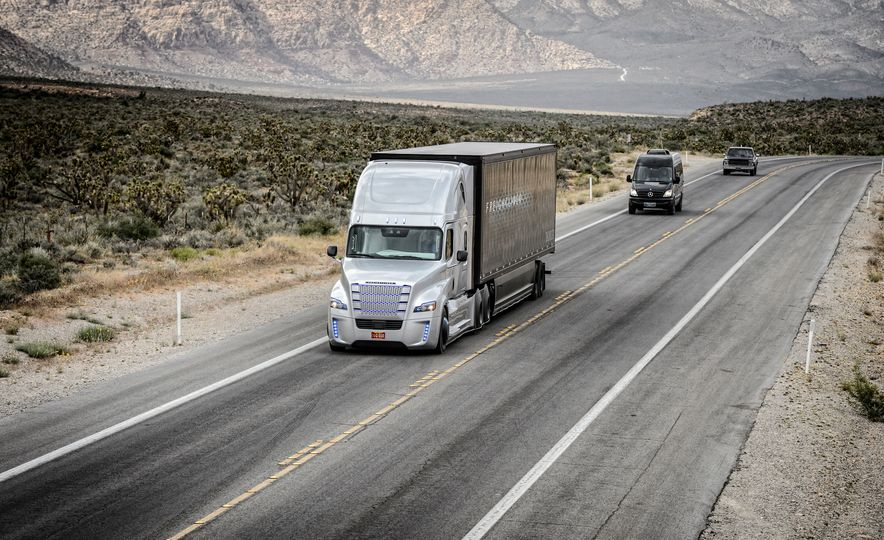 Freightliner Inspiration autonomous semi truck - Slide 2