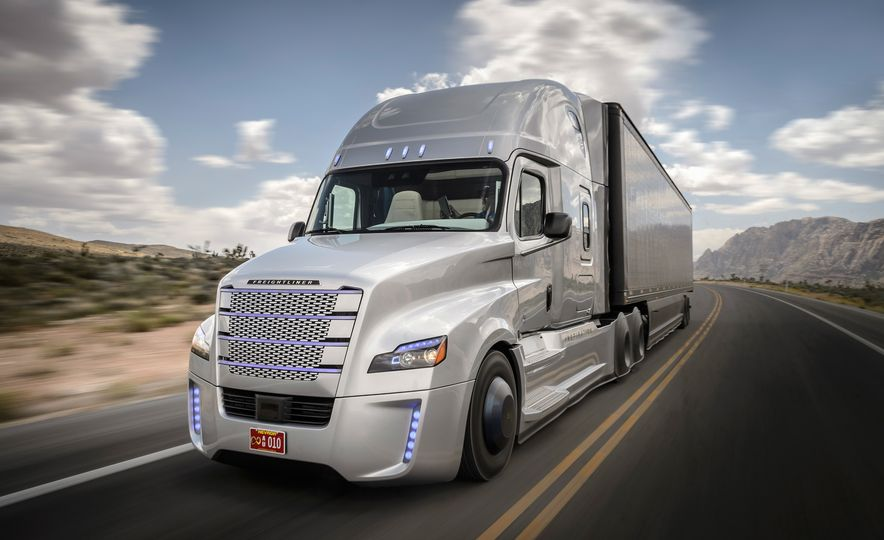 Freightliner Inspiration autonomous semi truck - Slide 9